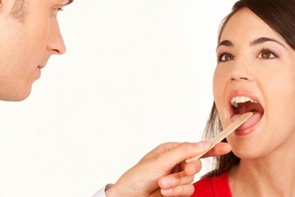 Ung thư lưỡi giai đoạn đầu